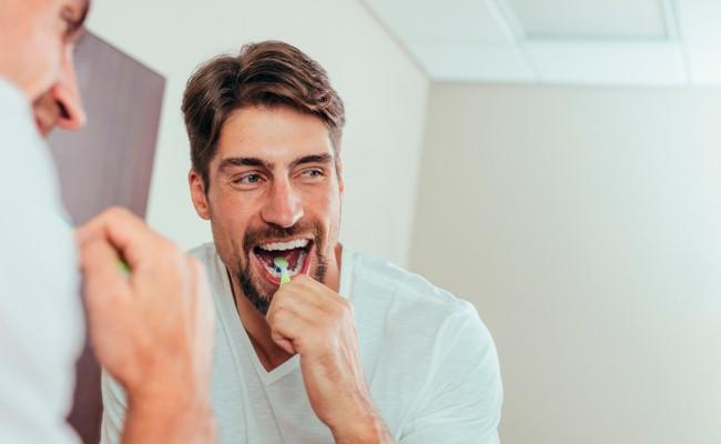 ¿Usar cepillo eléctrico es mejor para tu salud bucal? - BordonClinic