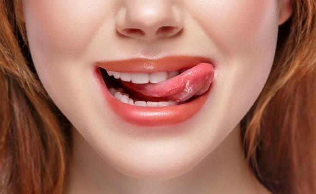 Por qué aparecen las llagas en la lengua y cómo curarlas - BordonClinic