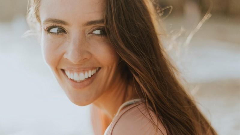 Prótesis dental fija - Tipos y precios - Dr. Javier de la Cruz - BordonClinic